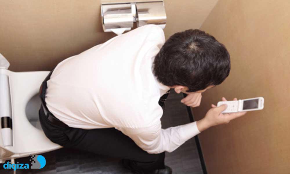 چرا نباید تلفن همراه را با خود به توالت ببریم؟